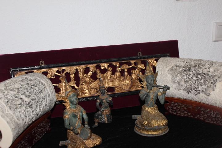 willkommen im antik zentrum essen antik zentrum essen. Black Bedroom Furniture Sets. Home Design Ideas